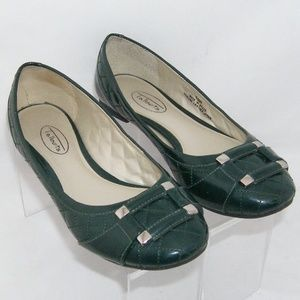 Talbots green patent leather quilted flats 6.5B